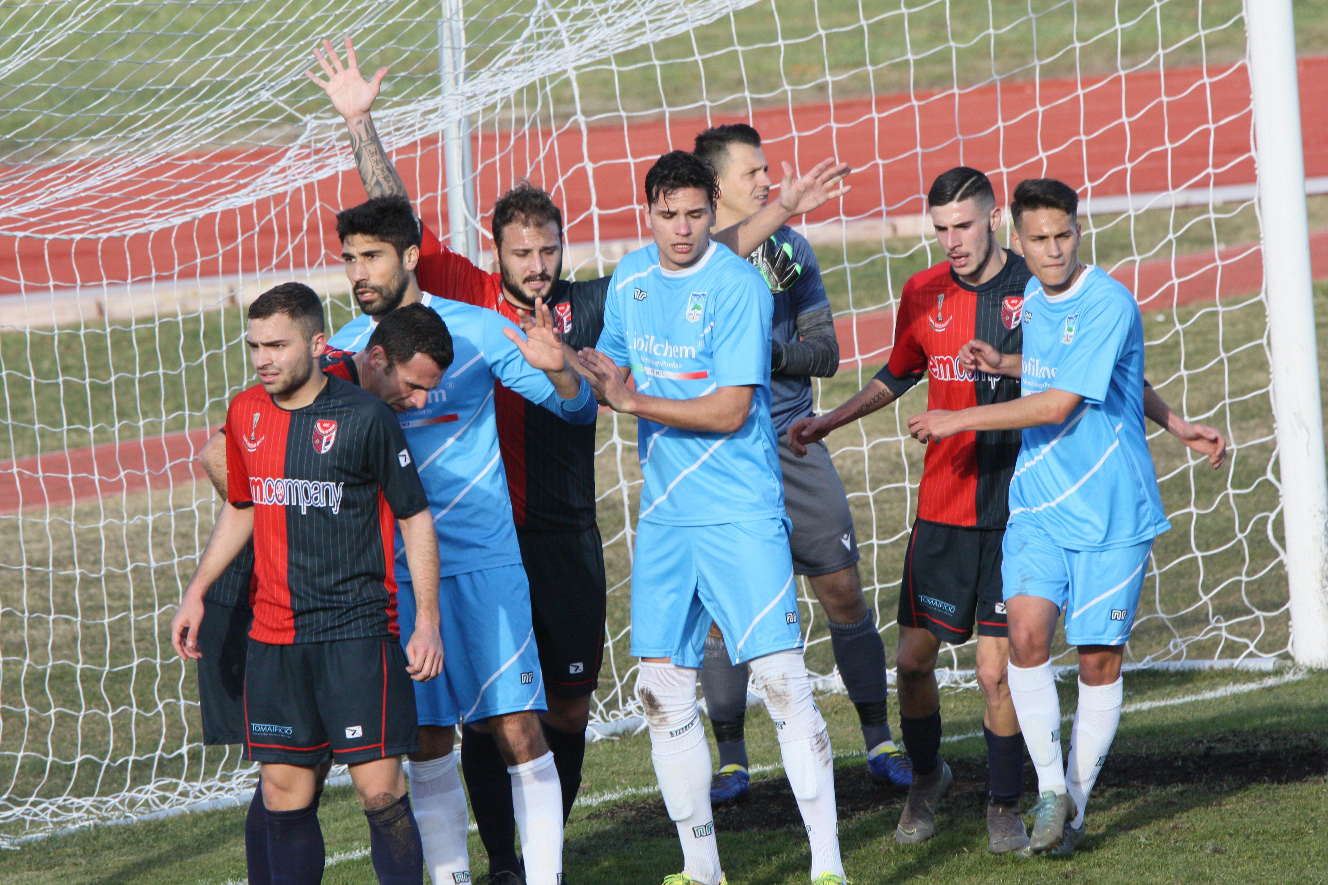 Un gol di Camplone decide il match
