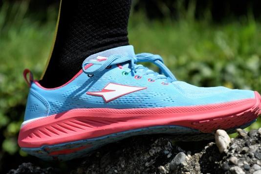 Ecco le Enda: le prime scarpe da corsa con l'anima del Kenya